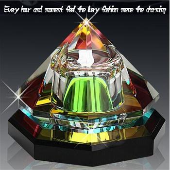 高档 新款水晶 八面金字塔汽车香水座 车载香水 车用香水摆件 饰品 包