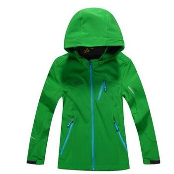 深绿色风衣怎么搭配